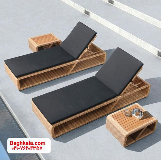 تخت کنار استخر